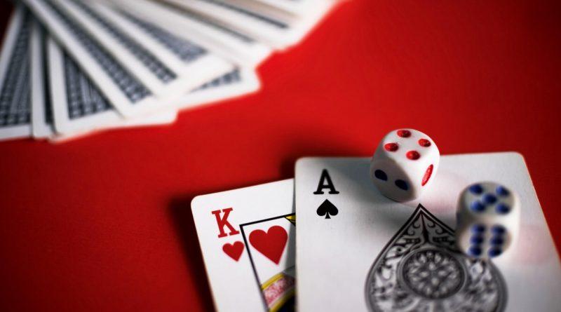 Lær mer om kortspill på nett